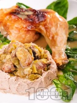 Крехко печено пиле със сос от праз и гъби и пюре от кестени на фурна - снимка на рецептата